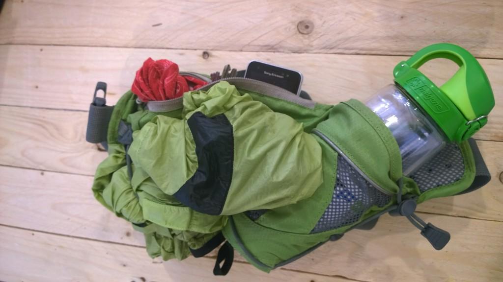 Outdoor recenzia: Ferrino Zephyr two kapsičkam má v sebe fľašku, telefón, buffku, fukerku a kĺúče