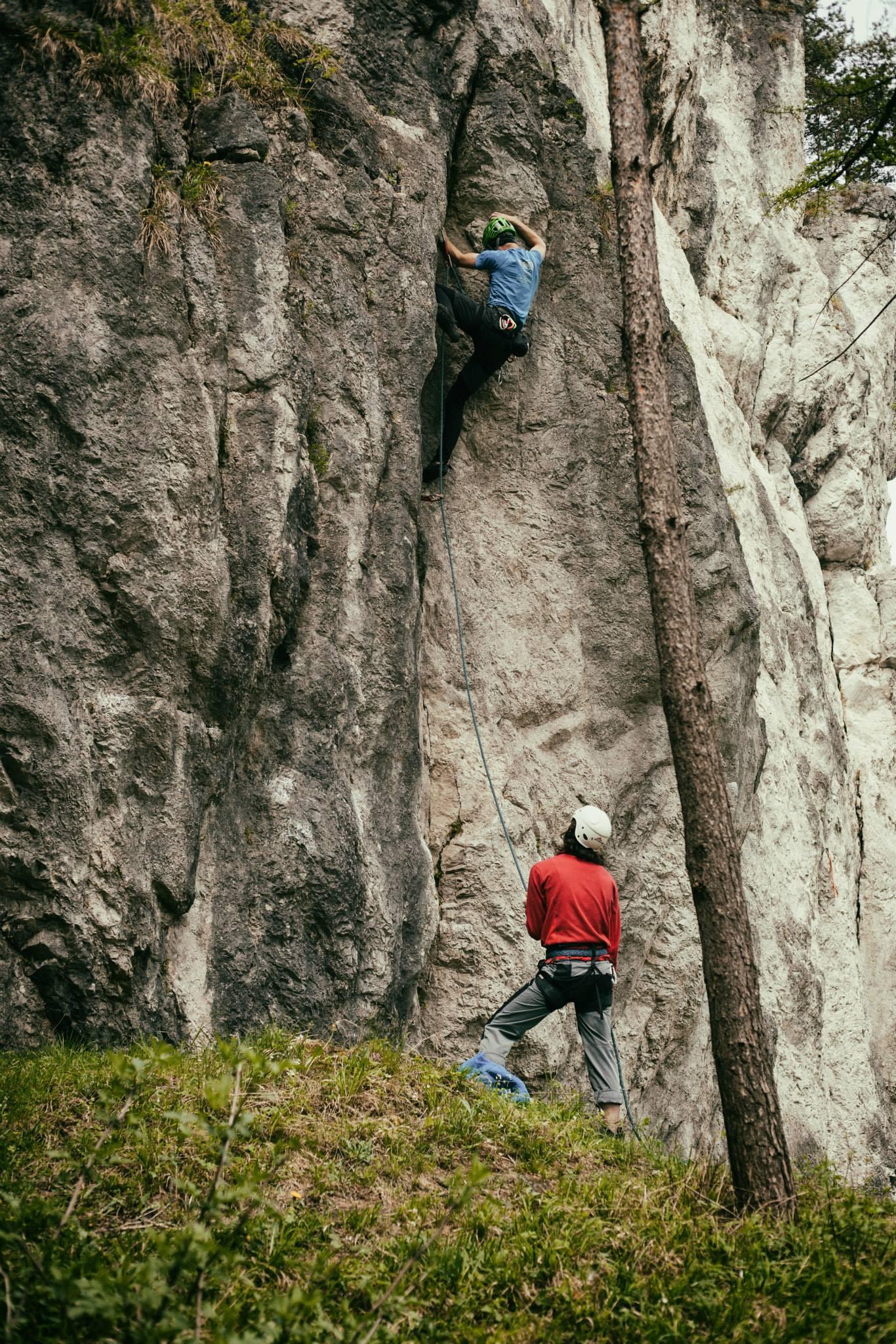 Prilba Camp speed na skalách