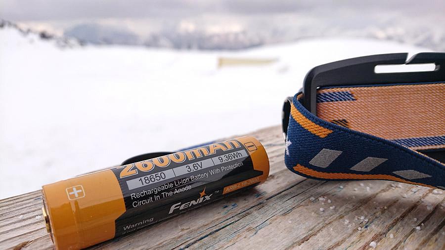 Čelovka Fenix HL60R a jej 2600mAh akumulátor (batéria)/ recenzia