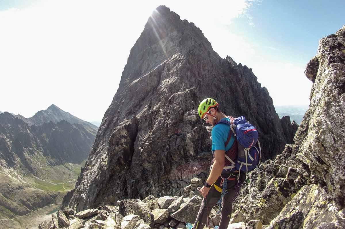 batoh Ferrino Triolet 32 + 5 ma sprevádzal aj na rôznych jednoduchých horolezeckých túrach