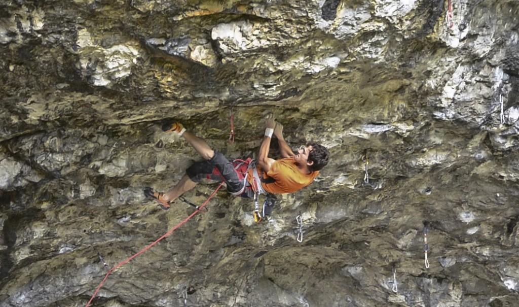 jozo kryštofy počas lezenia v lezečkách Lasportiva Python