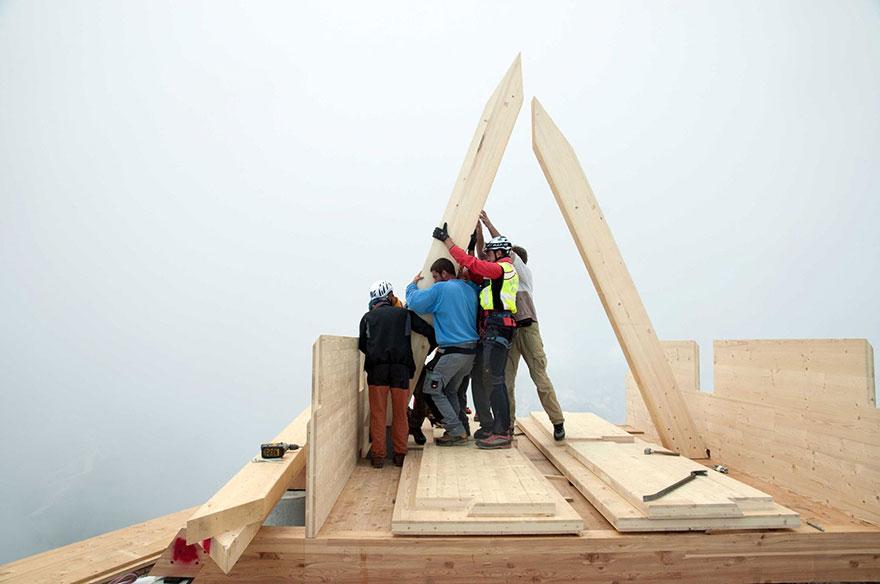 mountain-hut-house-4