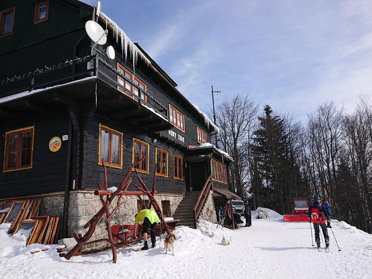 Malá Fatra na skialp lyžiach, hrebeňovka, chata pod Kľačianskou Magurou