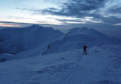 Malá Fatra: Prechod po hrebeni na skialp lyžiach 20km a 1600 m prevýšenie
