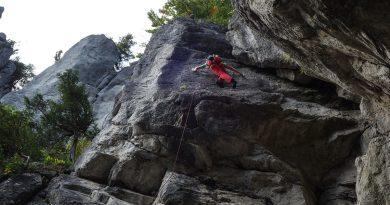 Slovenské skaly #3: Komjatná je lezecká oblasť s prvkami Súľova, ale veľmi bezpečne odistená