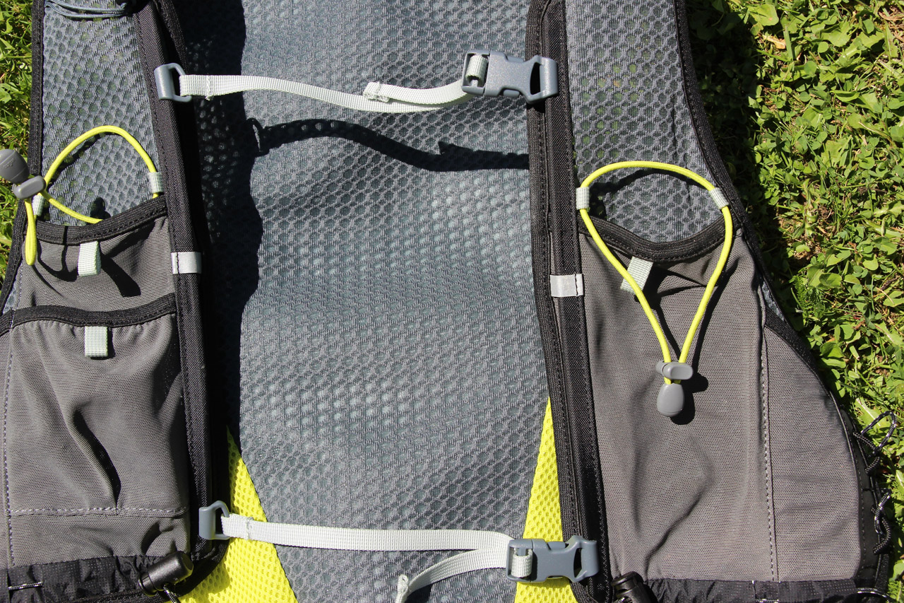 Ferrino X-track vest - hrudný popruh