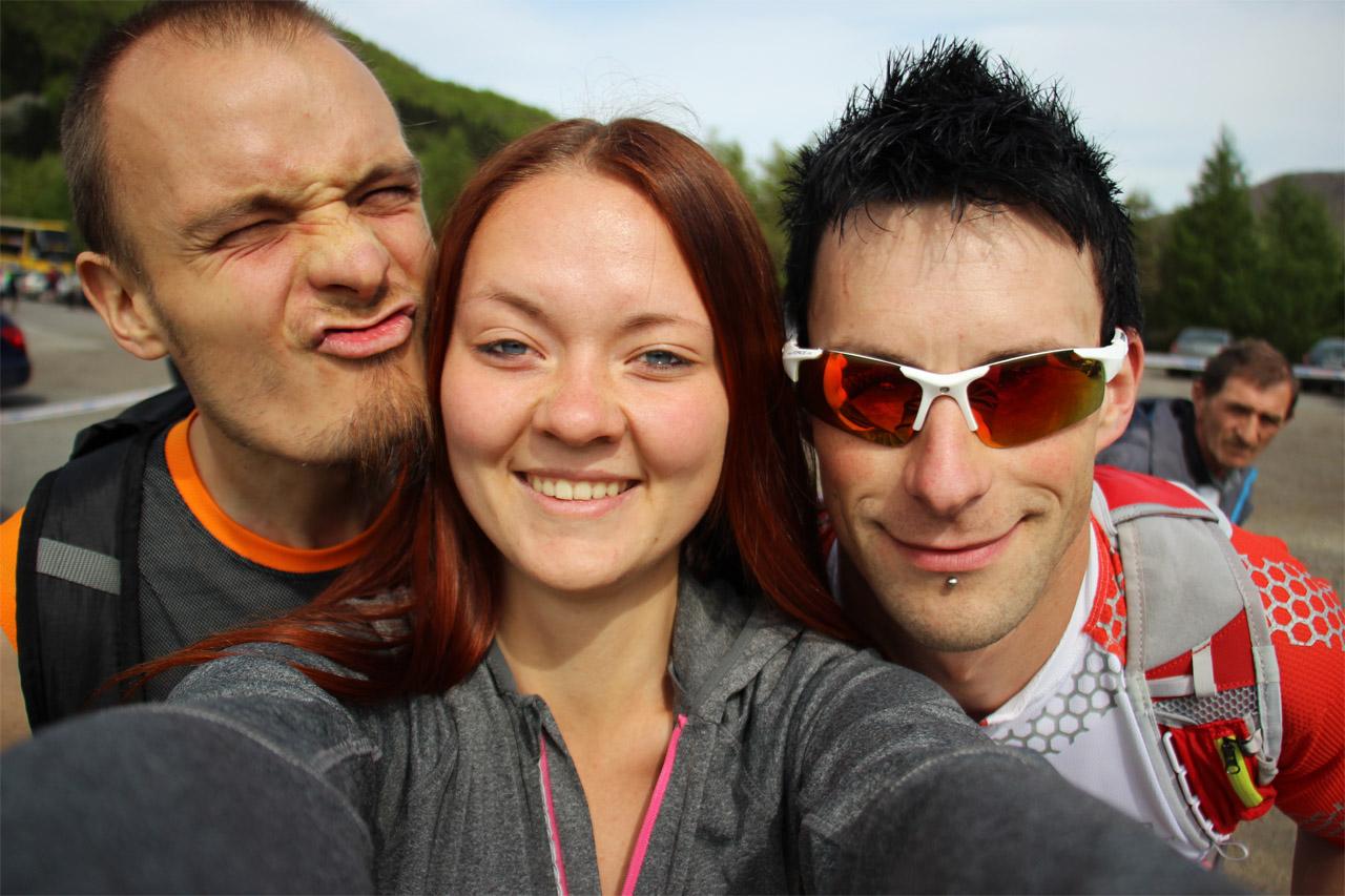 Janurčatá s Tomášom a náhodným ujom fotobomberom v pozadí  :D