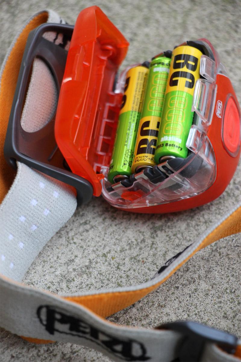 Petzl Tikka XP2 - priestor na batérie