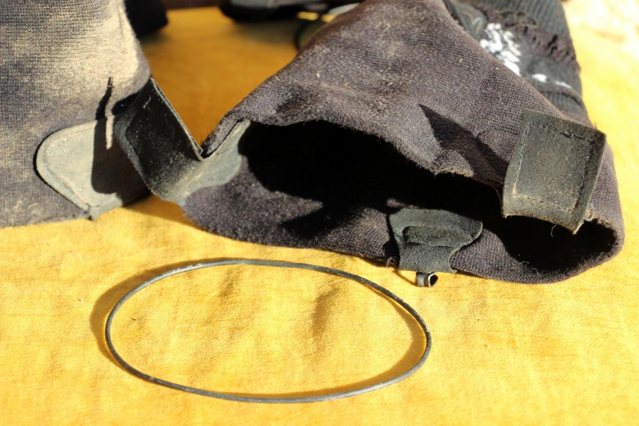 Inov-8 Debris Gaiter 32 - vyvlečená gumička