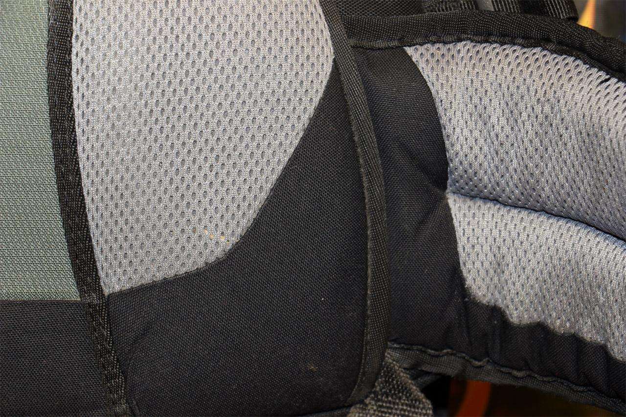 opotrebovanie bedrového pásu batohu Deuter Guide 45+