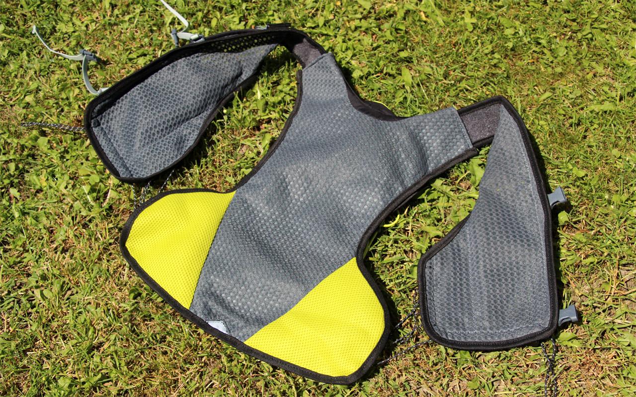 Ferrino X-track vest - výstelka