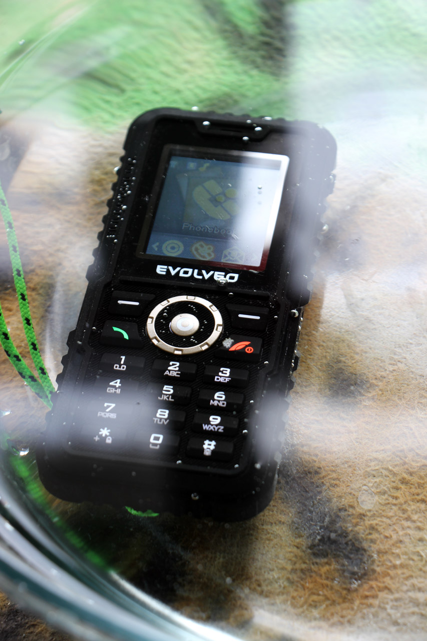 Evolveo StrongPhone Accu ponorený