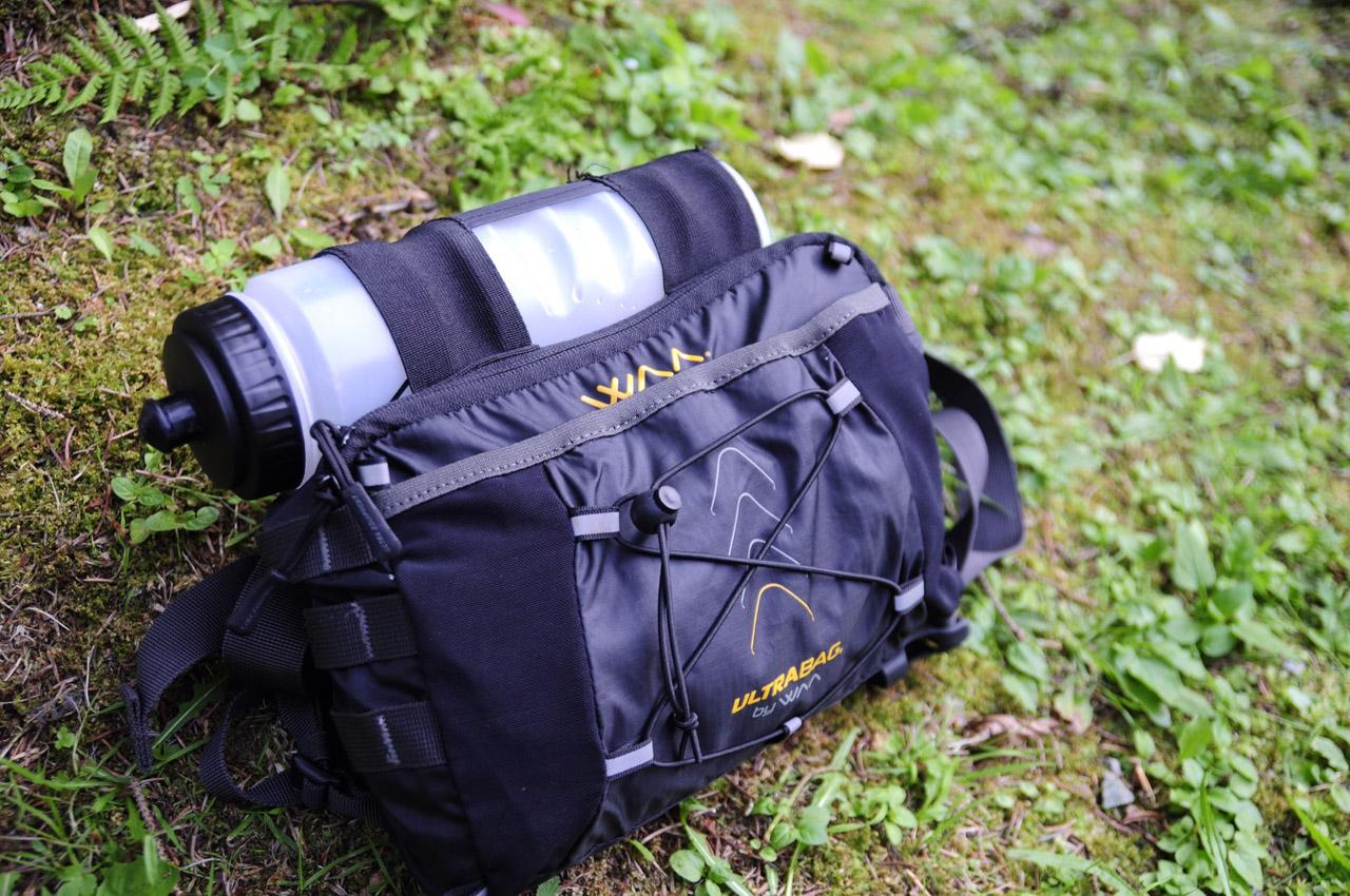 WAA Ultrabag 20L - predná kapsa s fľašou